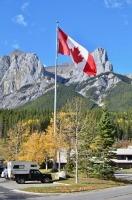 kanada hory- s vlajkou